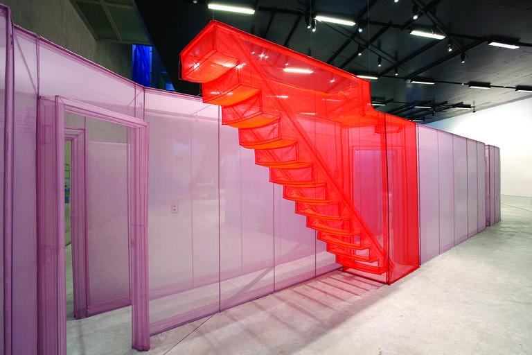 Stainless steel tubes create blueprint-like artwork