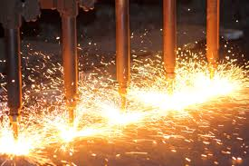 Flame cutting of steel pipes and tubes